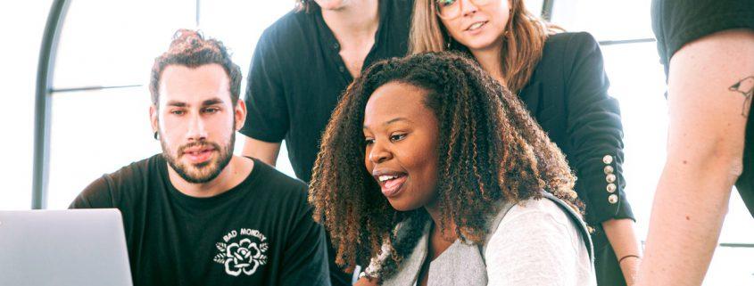 Praktikumsplätze gesucht für Akademikerinnen und Akademiker der Betriebswirtschaft
