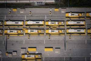 BVB Elektrobusse beim Aufladen